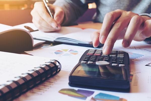 Finanzwirtschaftliche Studien